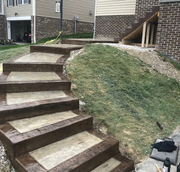 5 Ways To Add Landscape Lighting To Concrete Hardscaping: Surecrete Coloring